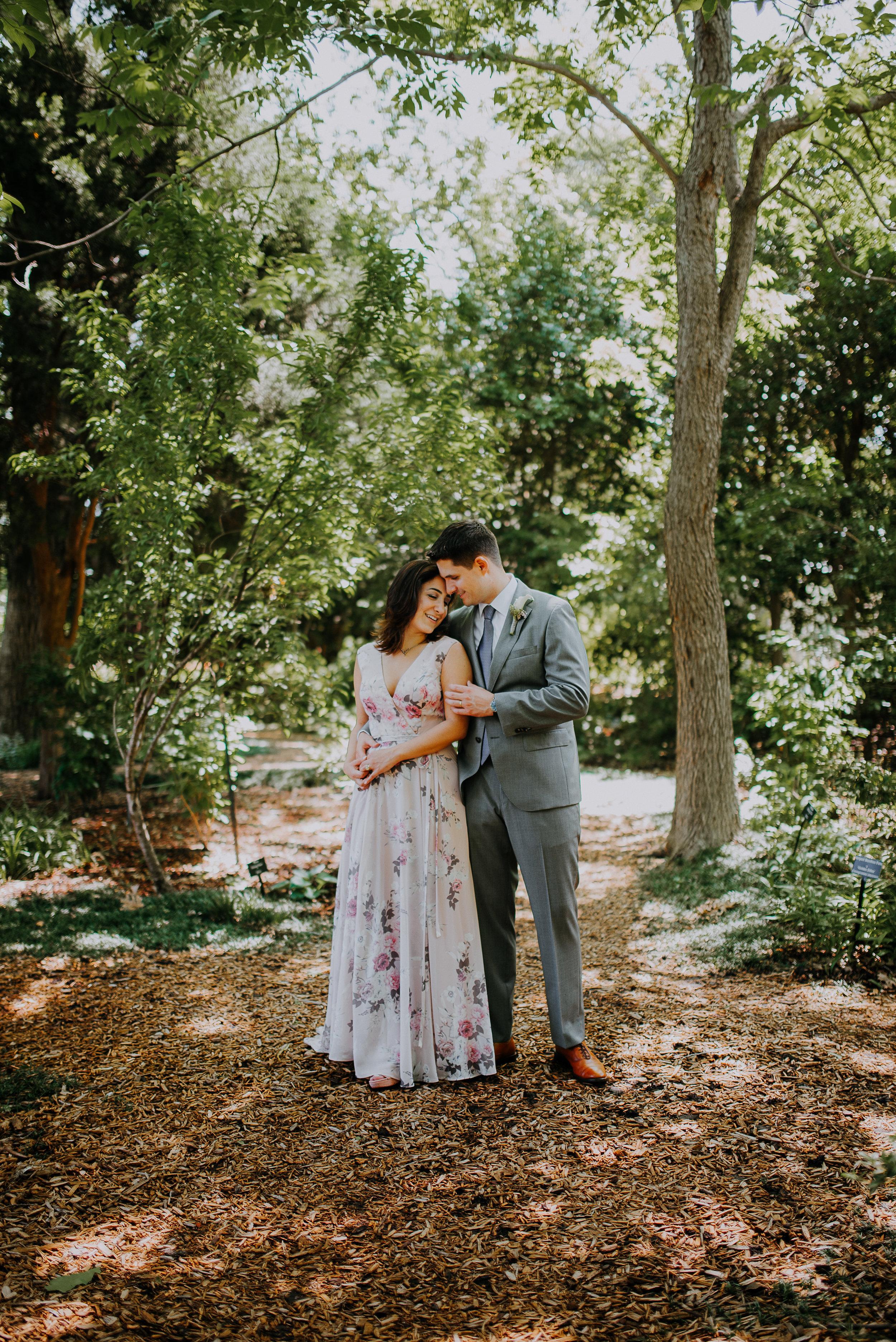 Dallas-fort-worth-wedding-photographer-dallas-arboretum-intimate-wedding-dallas-texas-34