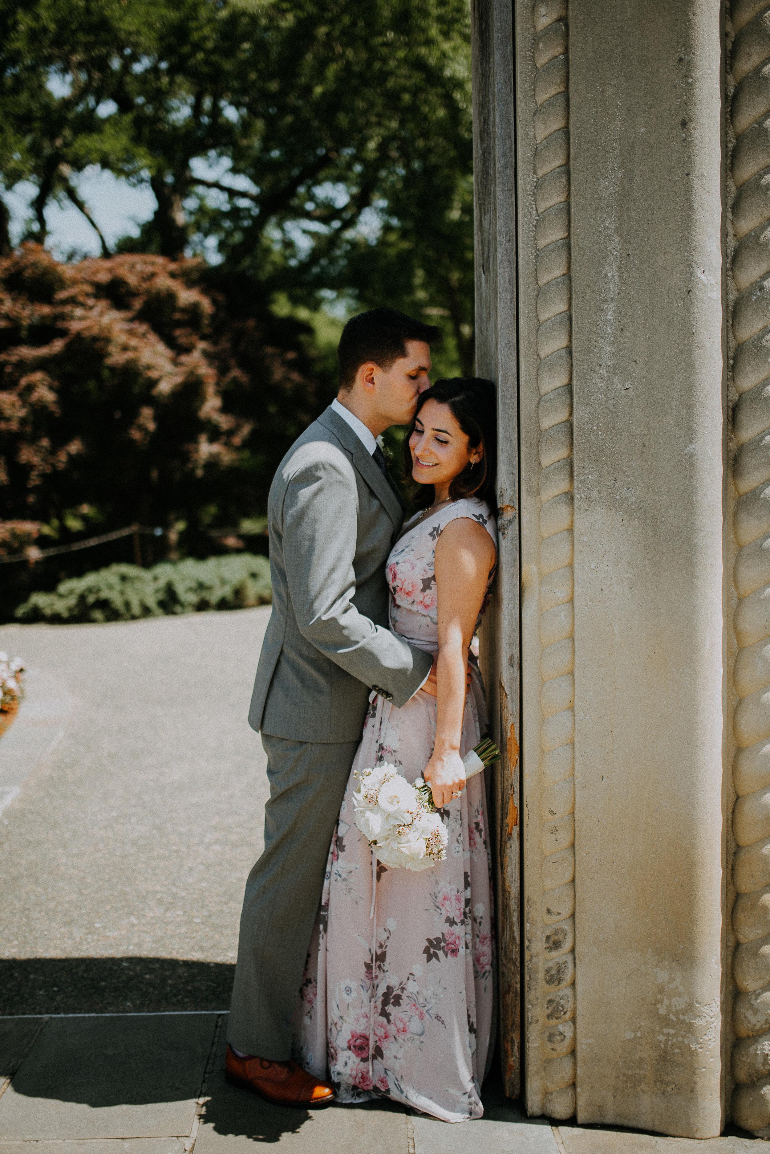 Dallas-fort-worth-wedding-photographer-dallas-arboretum-intimate-wedding-dallas-texas-36