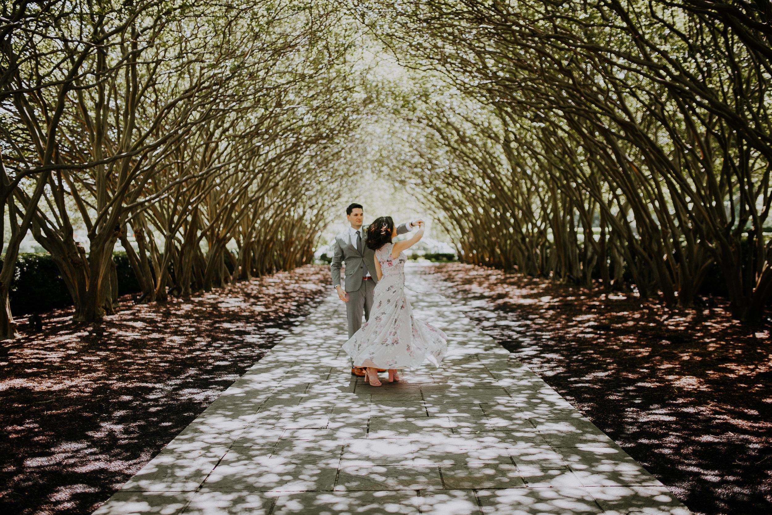 Dallas-fort-worth-wedding-photographer-dallas-arboretum-intimate-wedding-dallas-texas-39