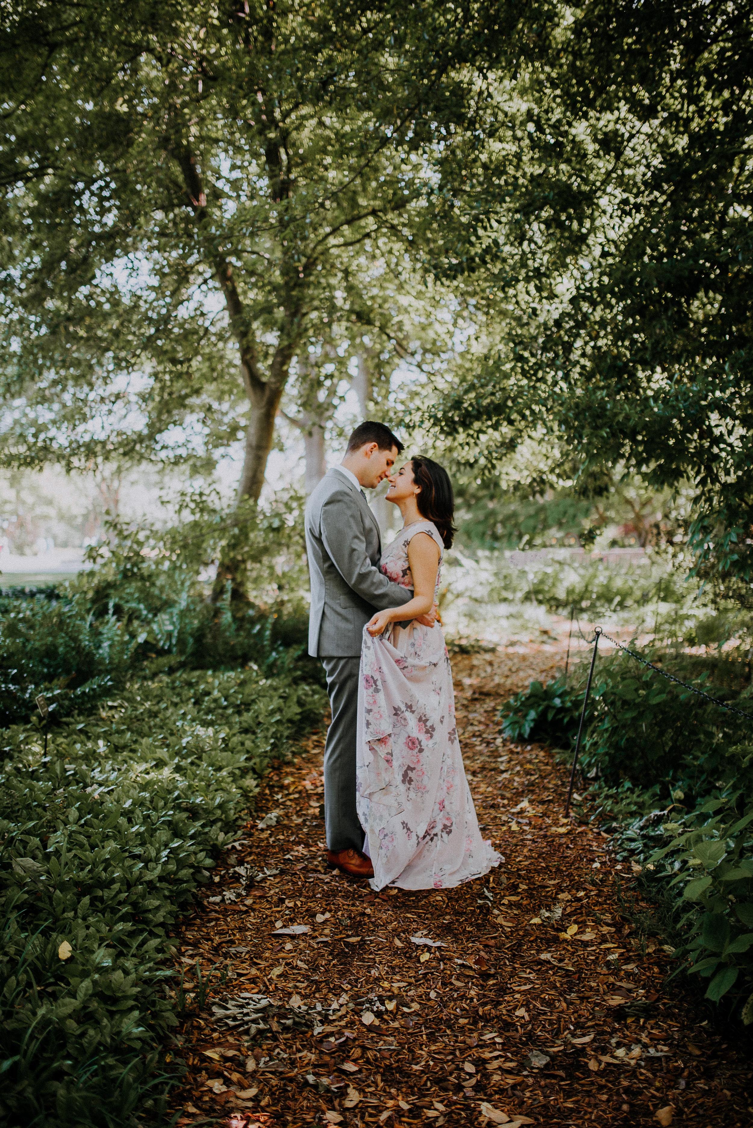 Dallas-fort-worth-wedding-photographer-dallas-arboretum-intimate-wedding-dallas-texas-40