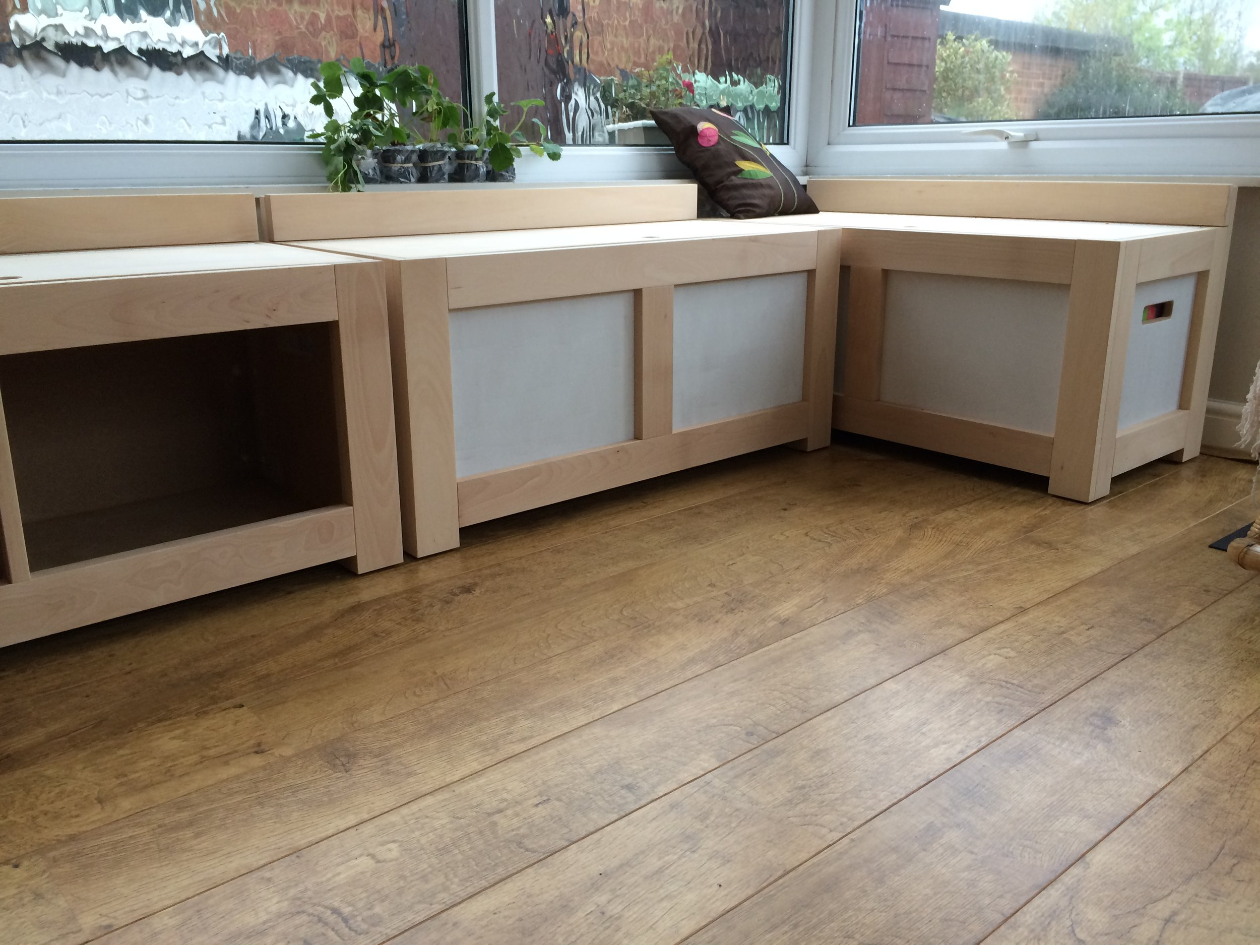 Seating modules with storage