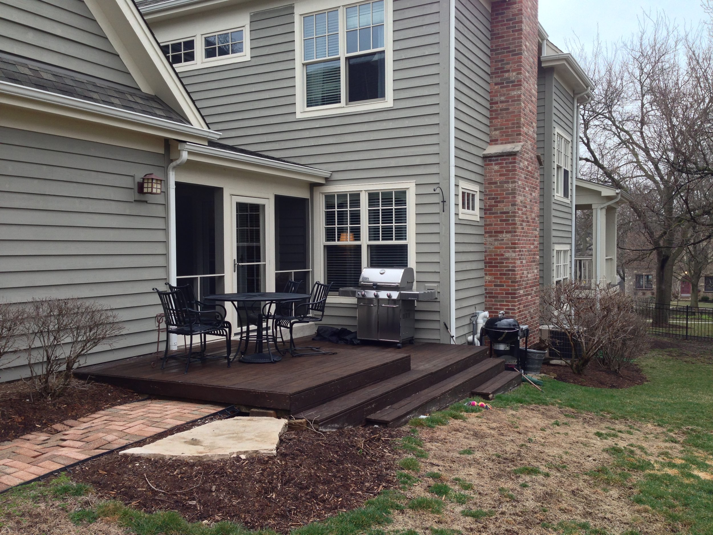Patio landscape design before renovation in South Elgin, IL