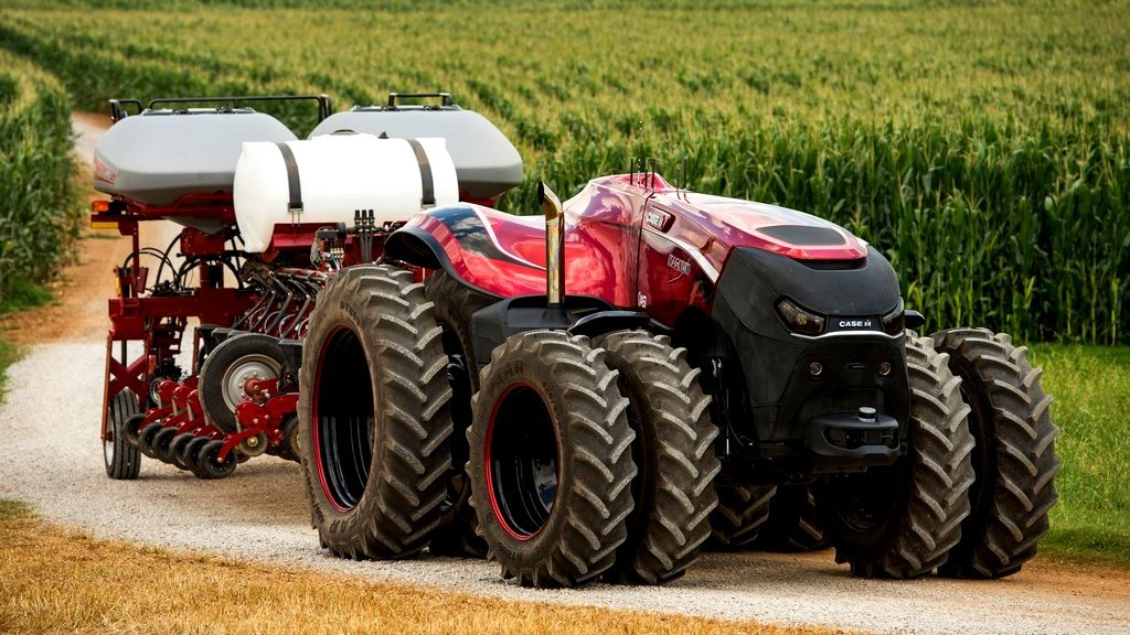 Case_IH_Magnum_Autonomous_Concept_Tractor_on_the_road_with_t_Main.jpg