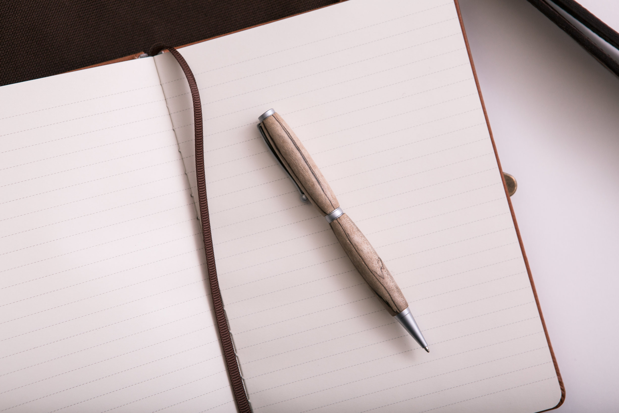 pen-and-journal-PKNQRJQ.jpg