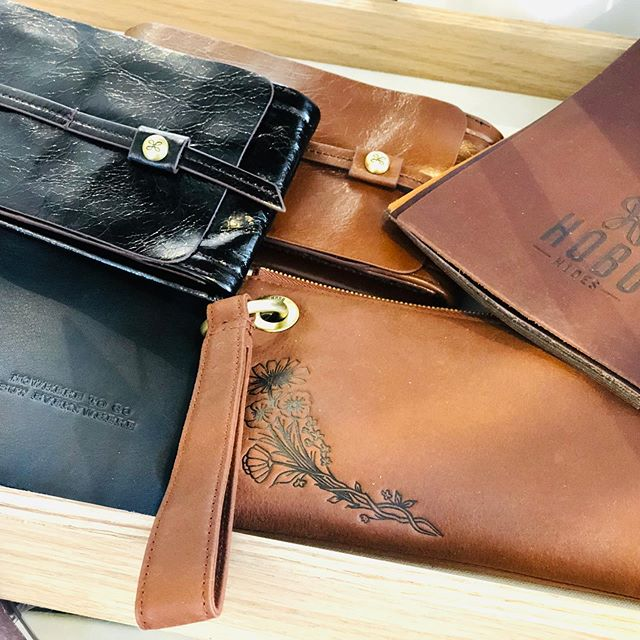Sometimes best to carry only what we need. Our new @hobotheoriginal bags fill the bill!❤️#iloveleather #goinstyle #forthewanderers