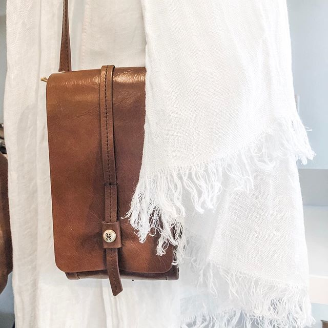 For the minimalist in all of us, the #token bag by @hobotheoriginal is just what we need! Pair with a light and airy linen @libecohome shawl . . . perfect❤️ Stop by @windingbeamcollection and see all our new product!