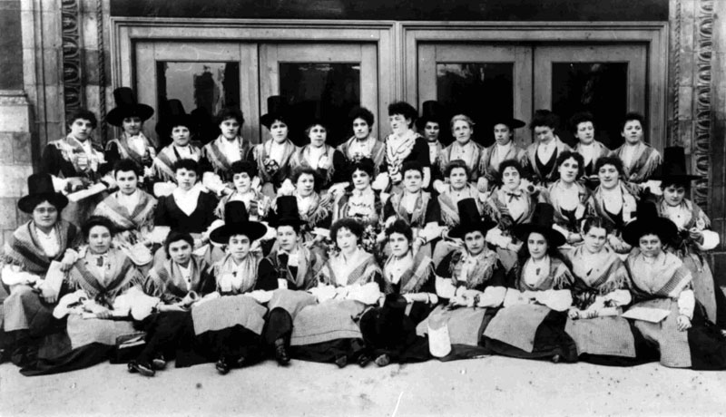 Royal Welsh Ladies choir 1897. People's collection Wales