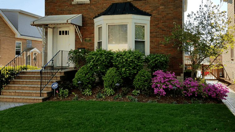 Top lawn service and other landscape maintenance services in Oak Park, IL