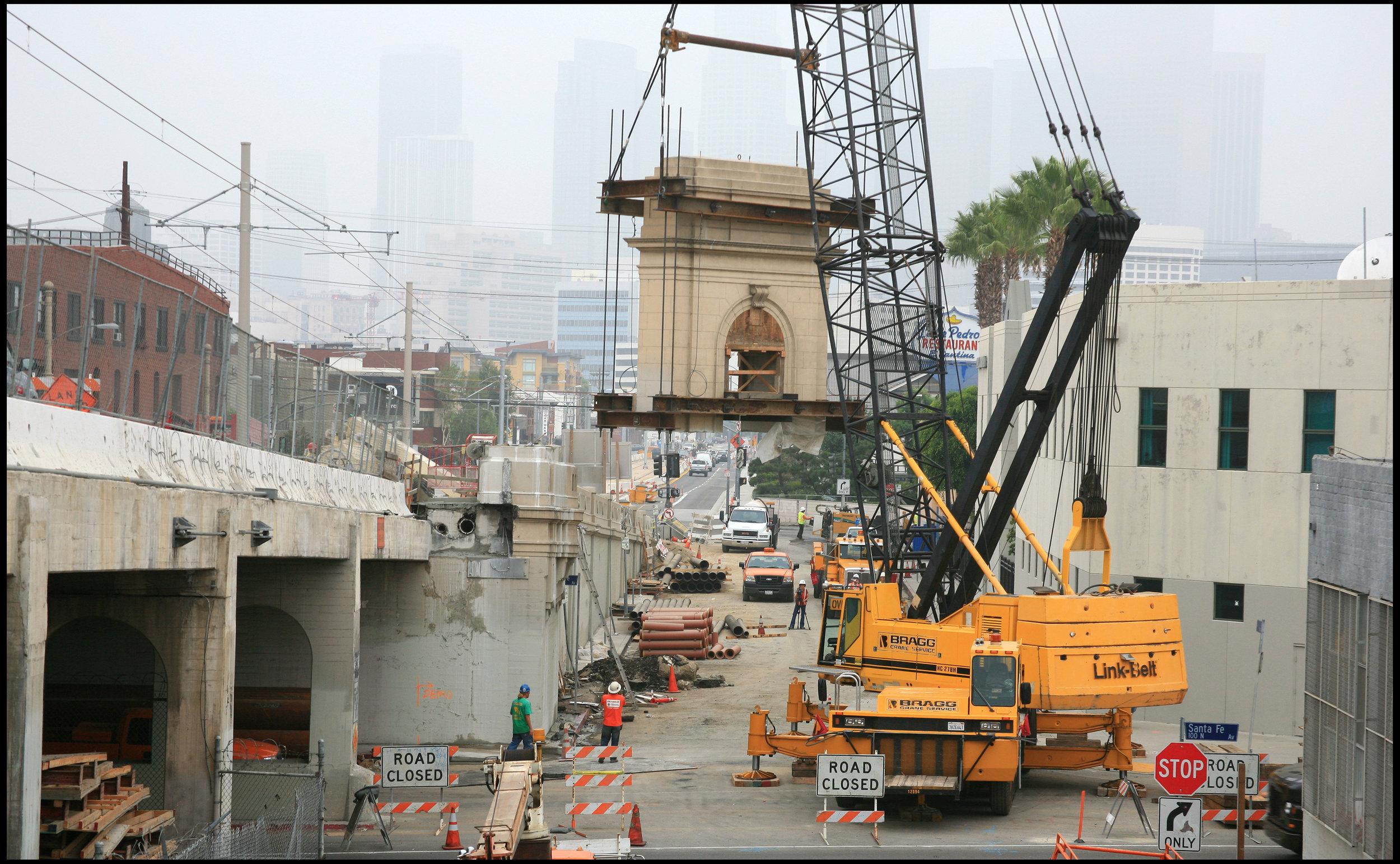 Pylon removal at 1st Street bridge