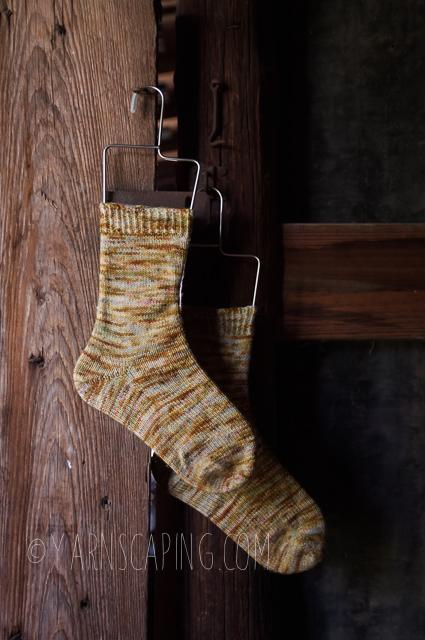 """Vanilla Socks; Yarn by  Voolenvine Yarns  in """"Figbash"""" on Footsie"""
