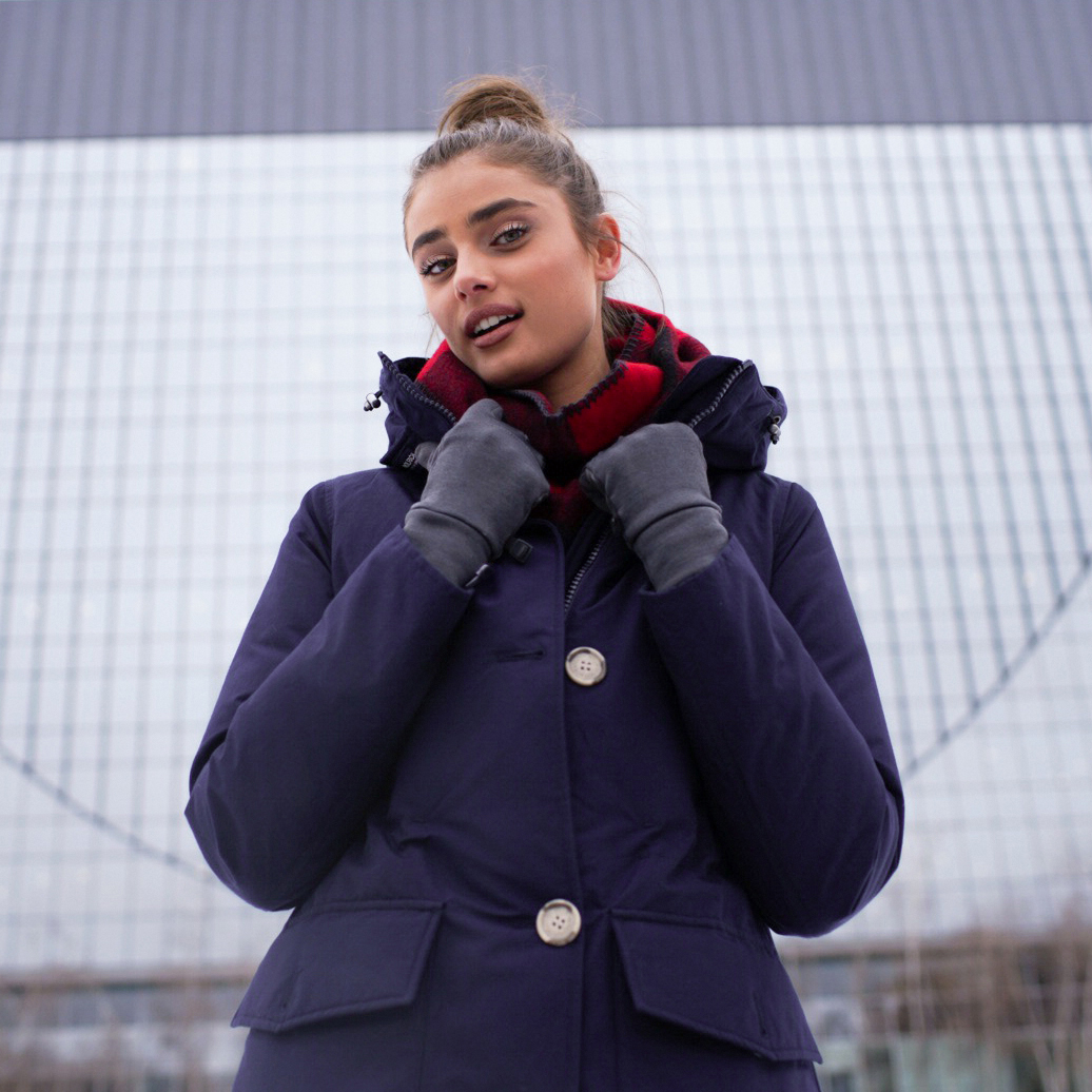 TAYLOR HILL X WOOLRICH -