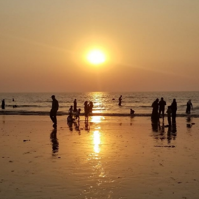 Sunset at Juhu Beach, Mumbai, India.