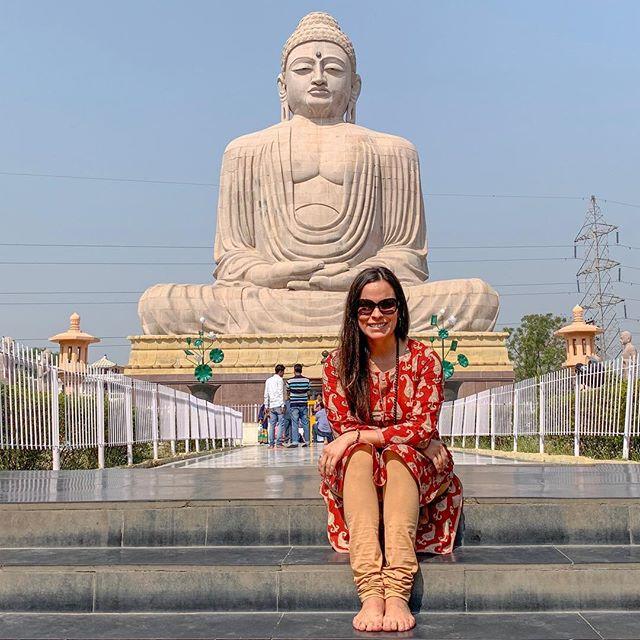 Thank you, Buddha. 🙏🏼✨ . . . . . #thankful #happiness #buddha #buddhalove #giantbuddha #buddhism #buddhist #pilgrimage #sangha #dhamma #dharma #mindfulnessteacher #bodhgaya #bodhgayaindia #bihar #vegan #veganswhotravel #vegansofinstagram #streetphotography #india #indialove #travelindia #thisisindia #incredibleindia🇮🇳