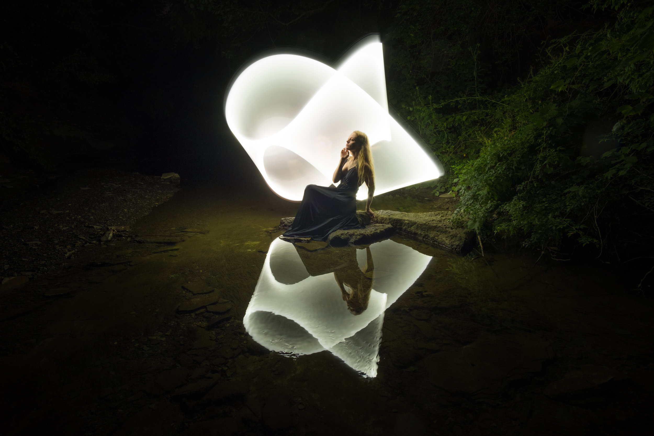 Lightpainting Shelly 2 3.jpg