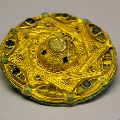 7th century golden decoration