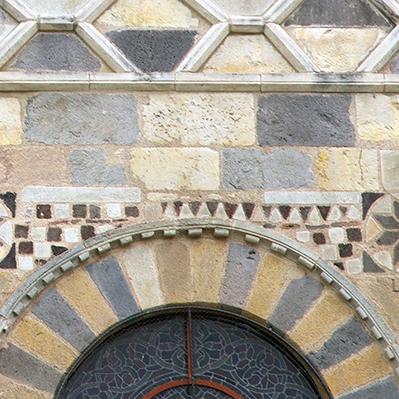 Issoire Romanesque