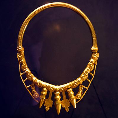 Glauberg gold necklace