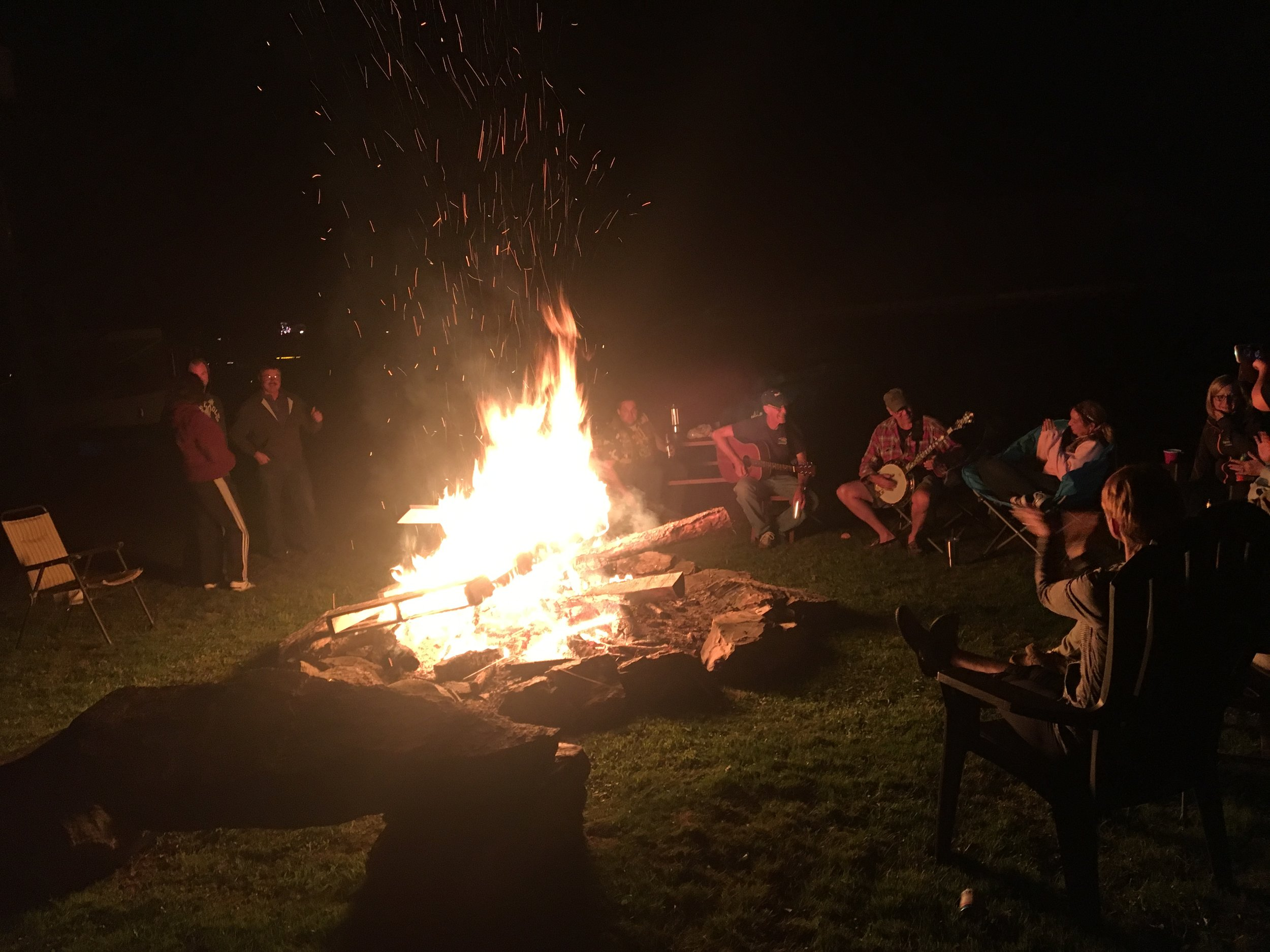 Relaxing! - No heavy partying, no off road vehicles, no golf carts & with strictly enforced quiet hours you'll only hear the sound of a fire crackling and the sounds of nature so you can experience camping the way it should be.