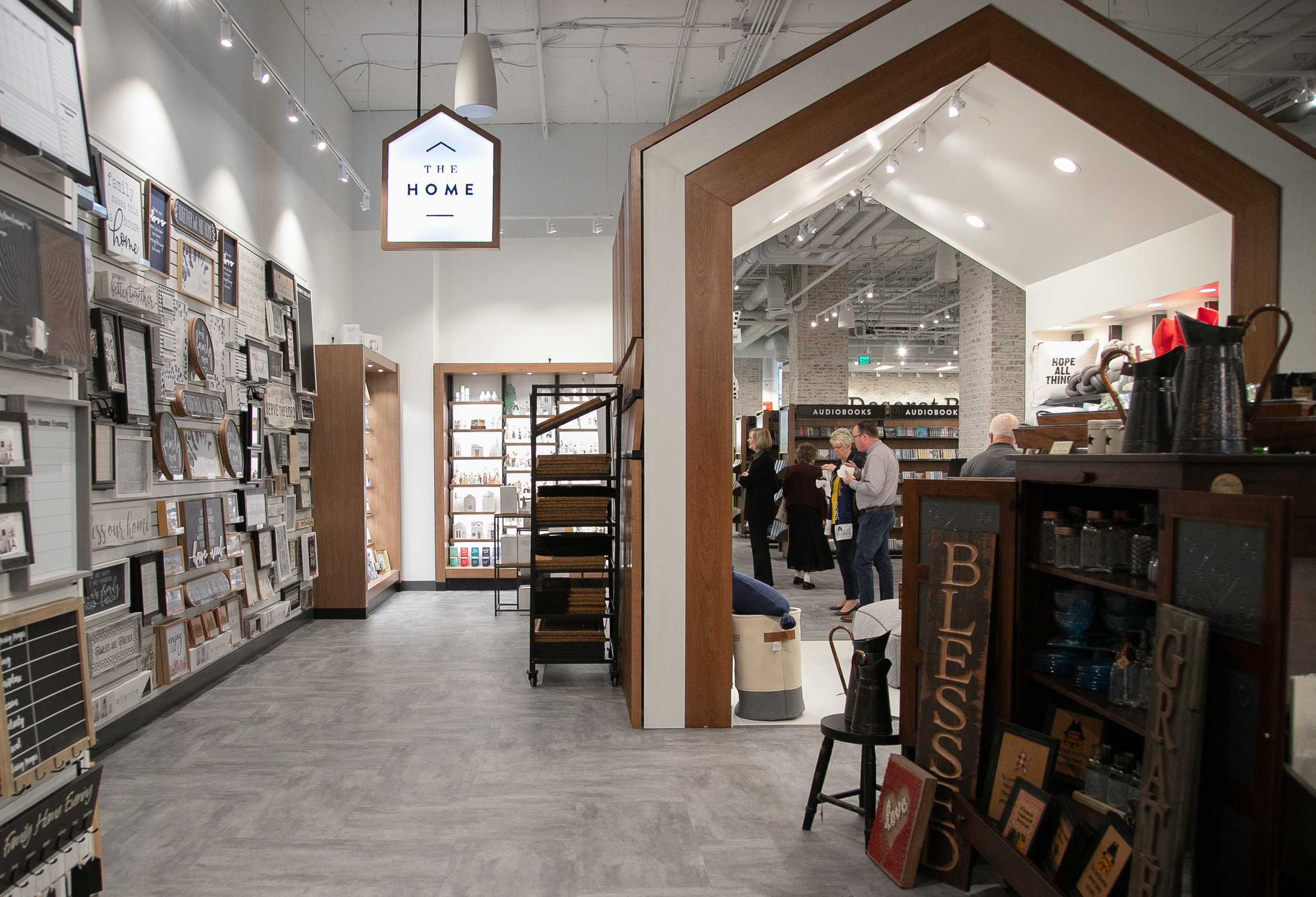 flagship-store-grand-opening-08.jpg