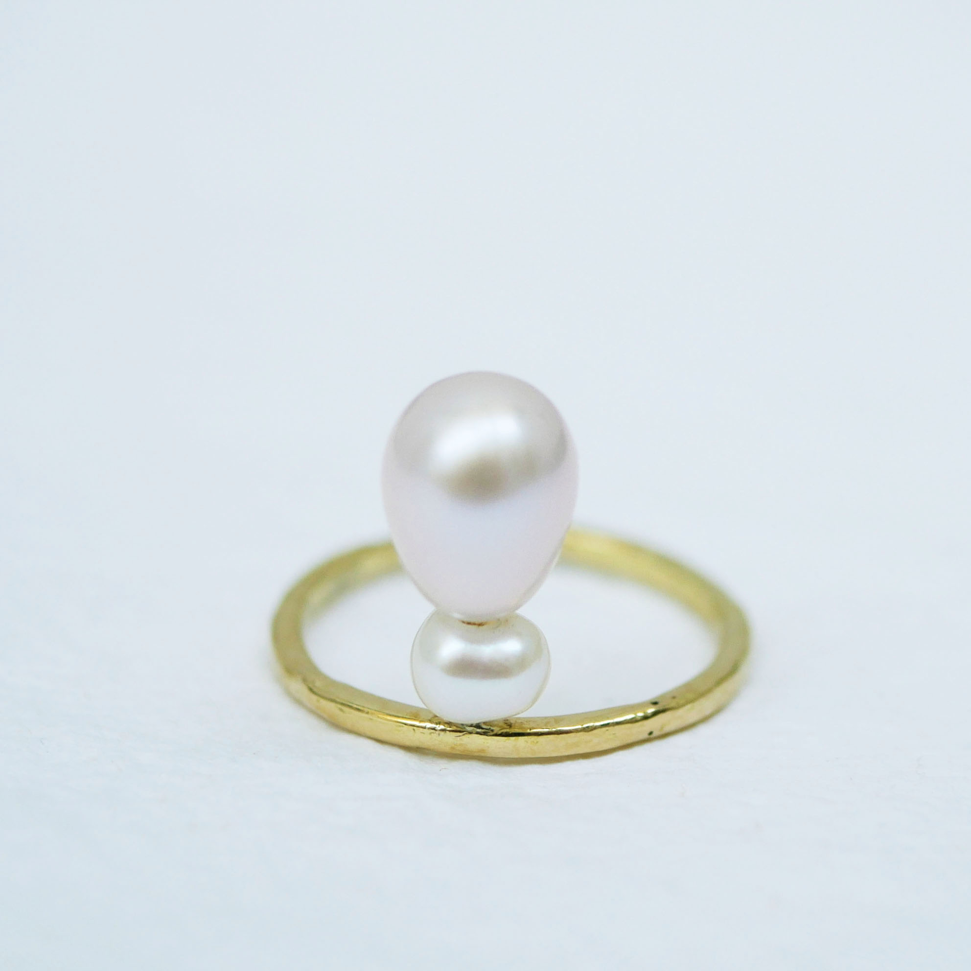 18ct yellow gold ring with pearl