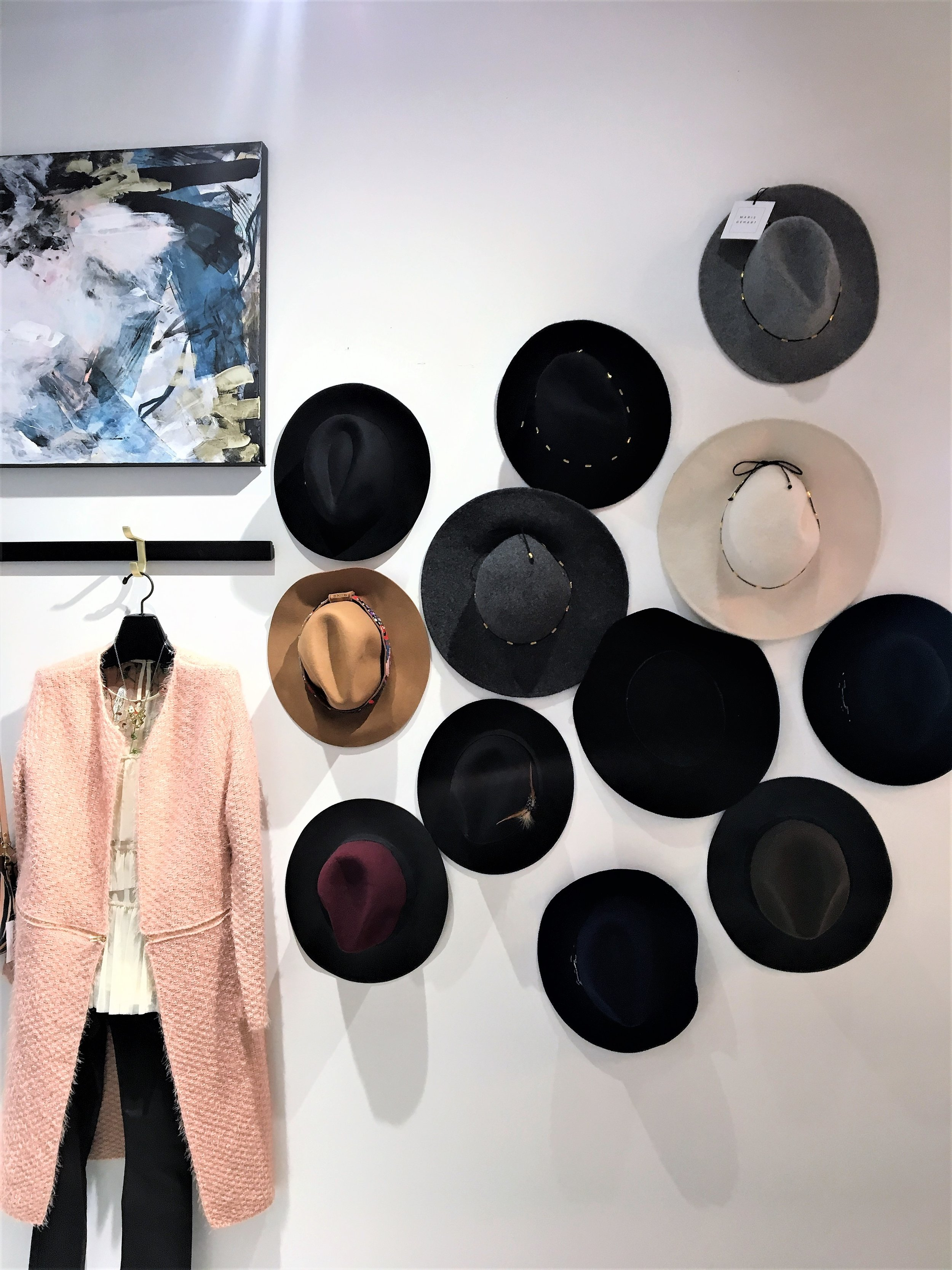 Maris Dehart  is a contemporary boutique that carries items by local designers as well as emerging designers from other cities. This is where I found my  Hart Studio tassel earrings. A beautifully decorated boutique with many things to admire!