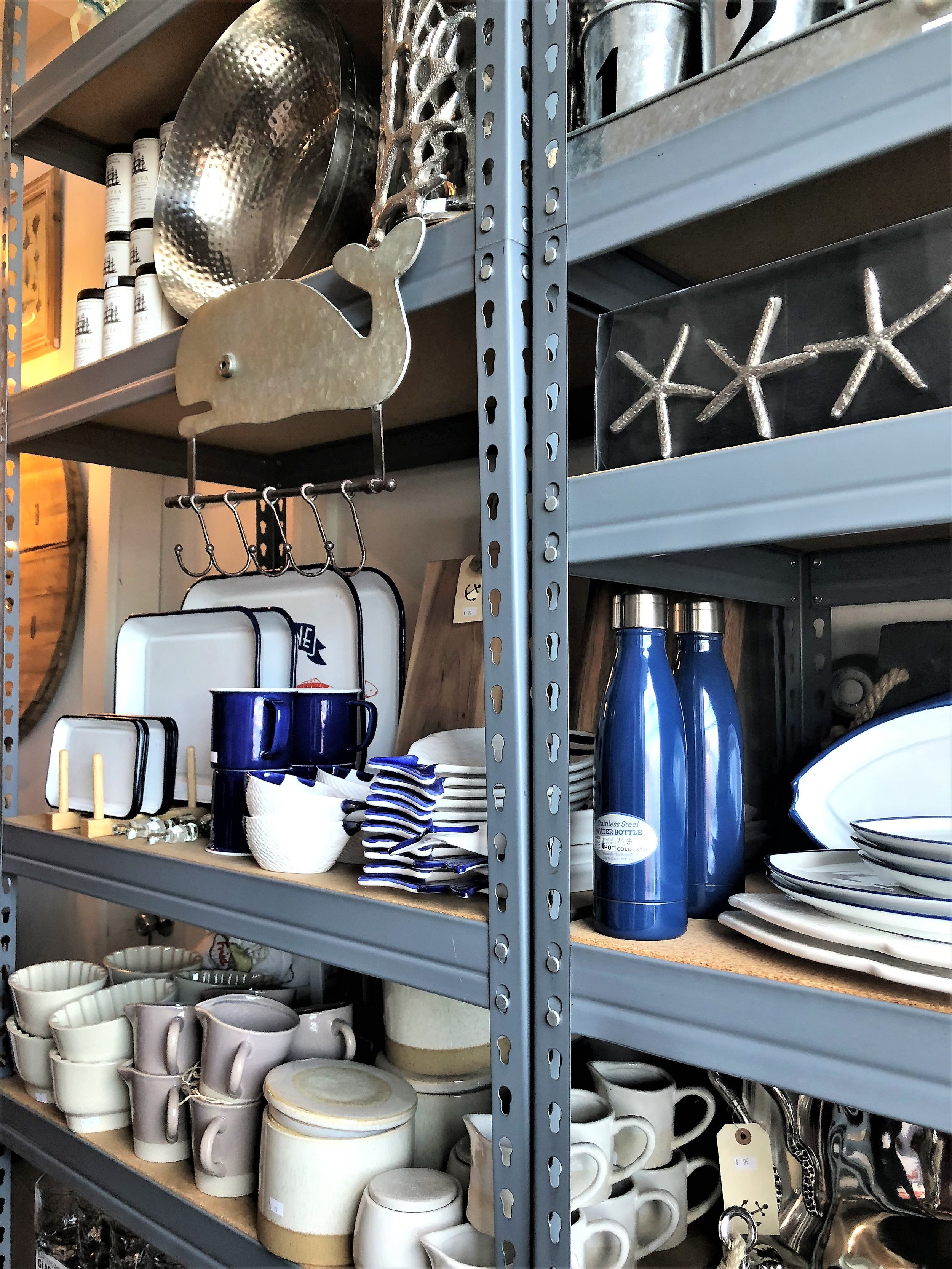 Goods is a great gift store full of home goods with a heavy nautical theme. They also carry beauty products such as soaps and lotions. I kinda regret not grabbing a set of loungewear that I left behind….