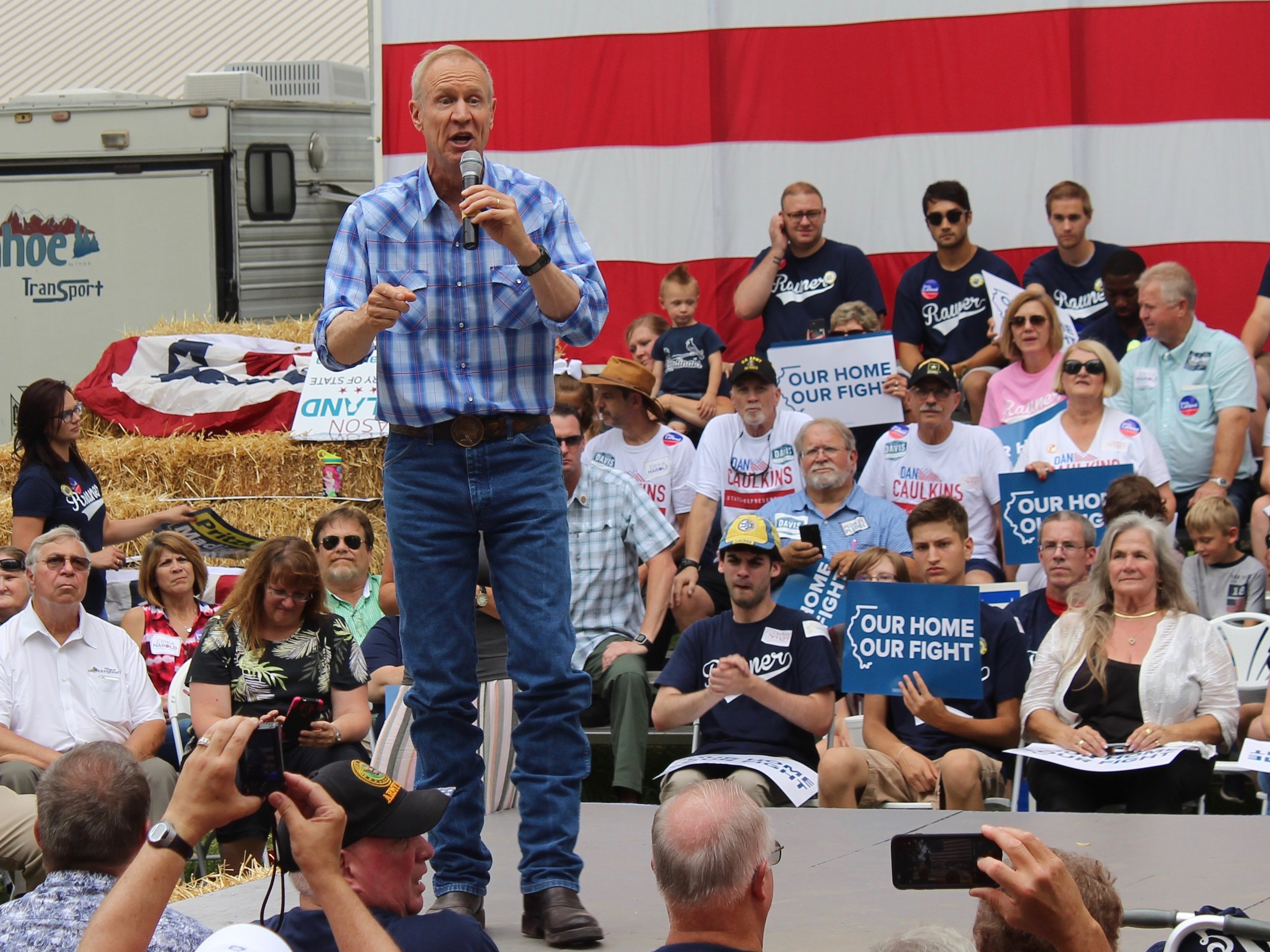 Gov. Bruce Rauner addresses partisan supporters on Governor's Day at the State Fair Wednesday. (One Illinois/Ted Cox)