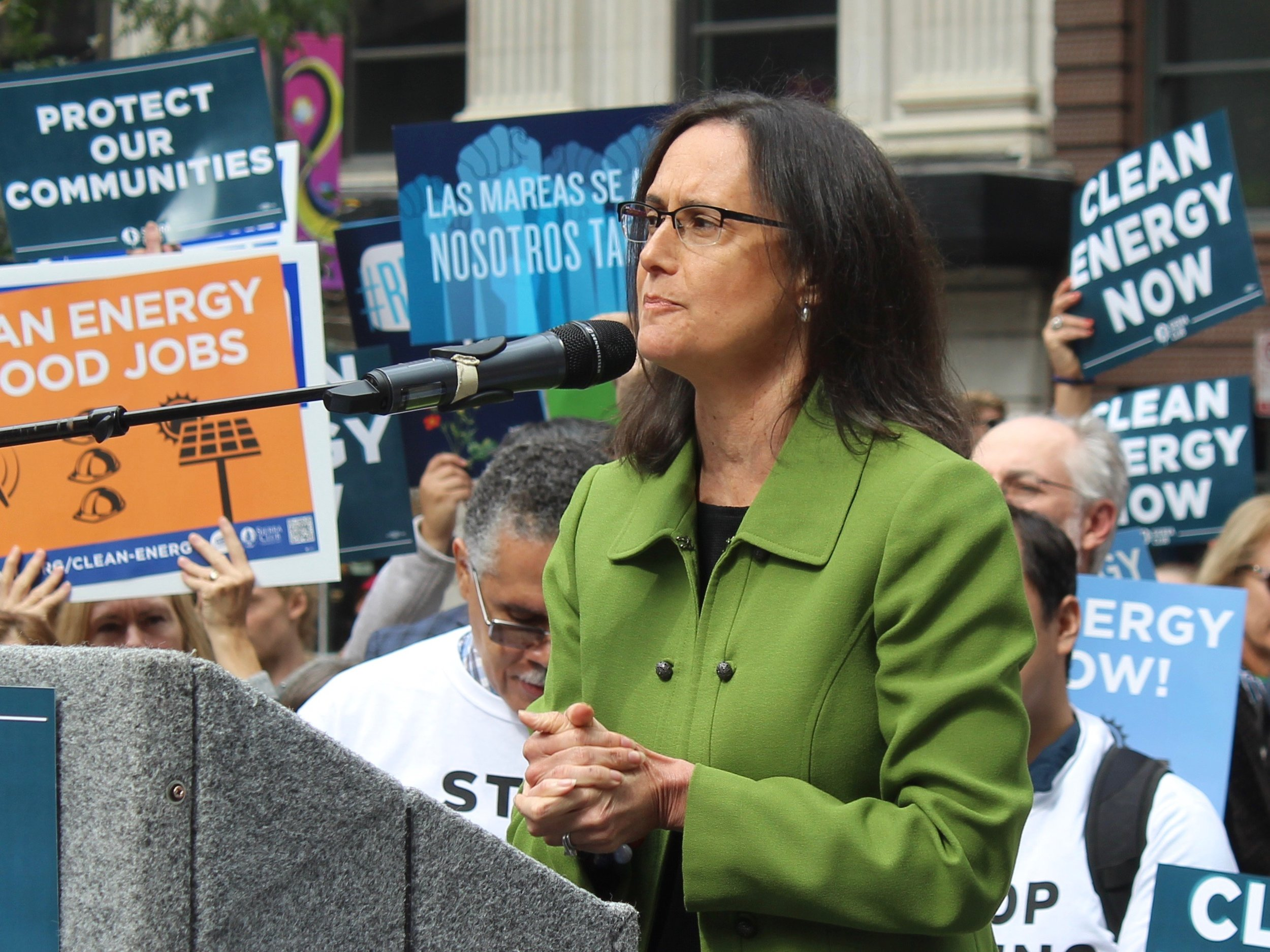 Lisa Madigan is joining 38 other attorneys general in demanding action on robocalls from telecommunication companies. (One Illinois/Ted Cox)