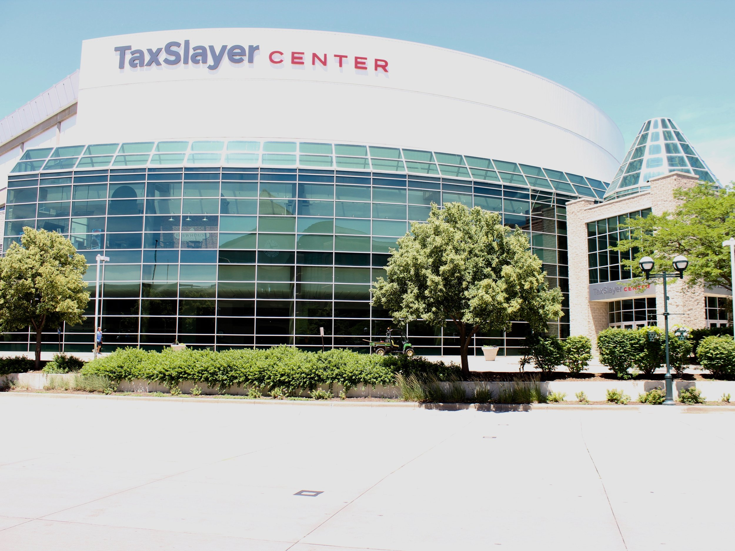 """The TaxSlayer Center is located in Moline in Rock Island County, where 99.1 of taxpayers are projected to pay less under Gov. Pritzker's """"fair tax."""" (One Illinois/Ted Cox)"""