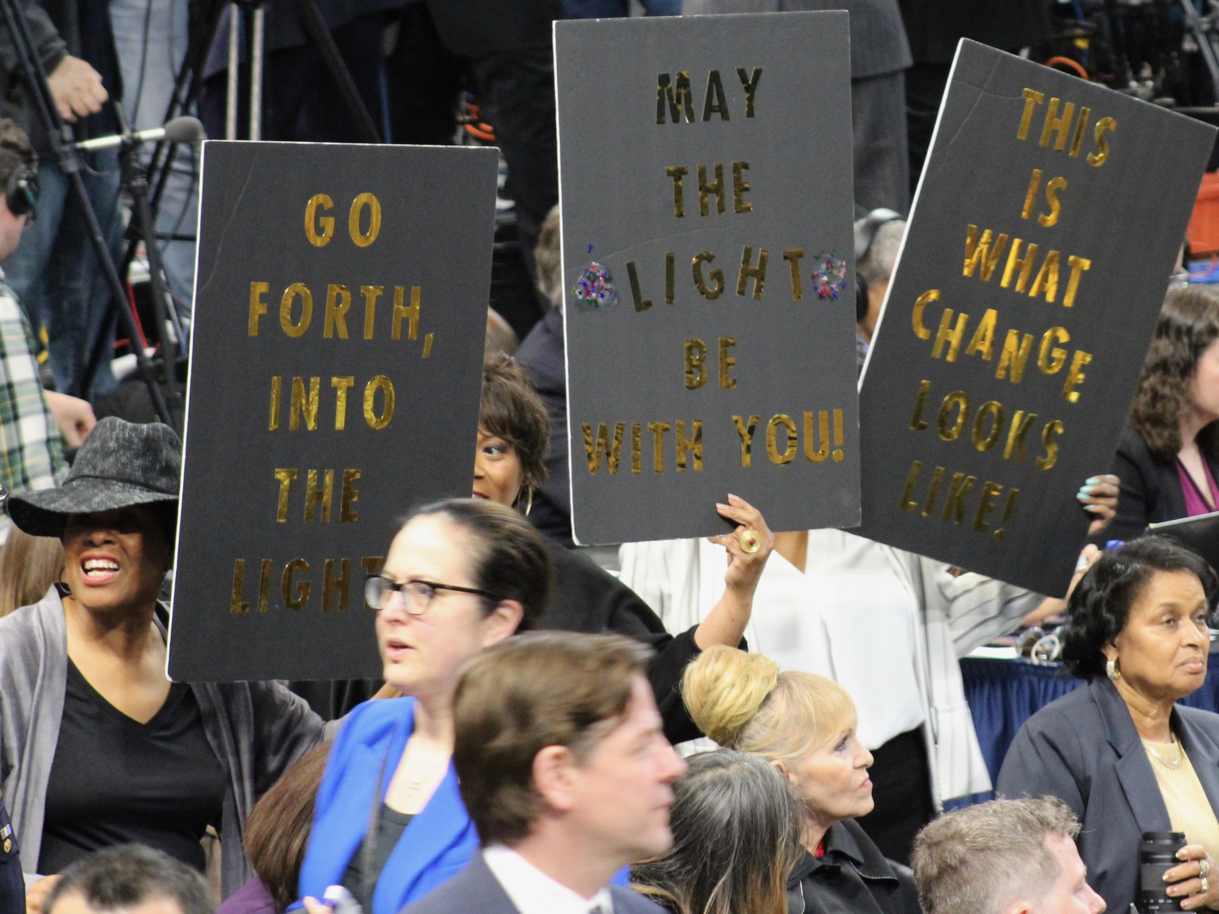 Lightfoot supporters brandish inspirational signs at Monday's inauguration. (One Illinois/Ted Cox)