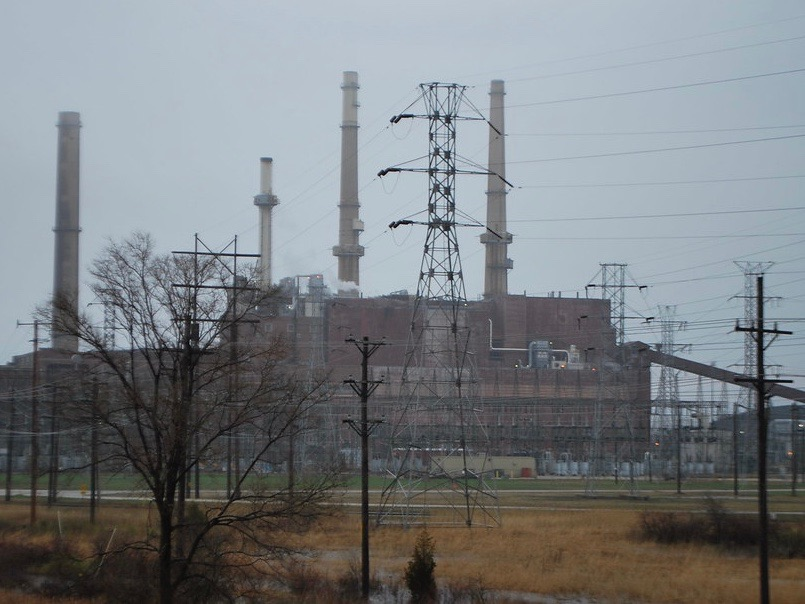 The Waukegan coal power plant was found to have contributed to contaminated groundwater. (Flickr/Bulls Fan)