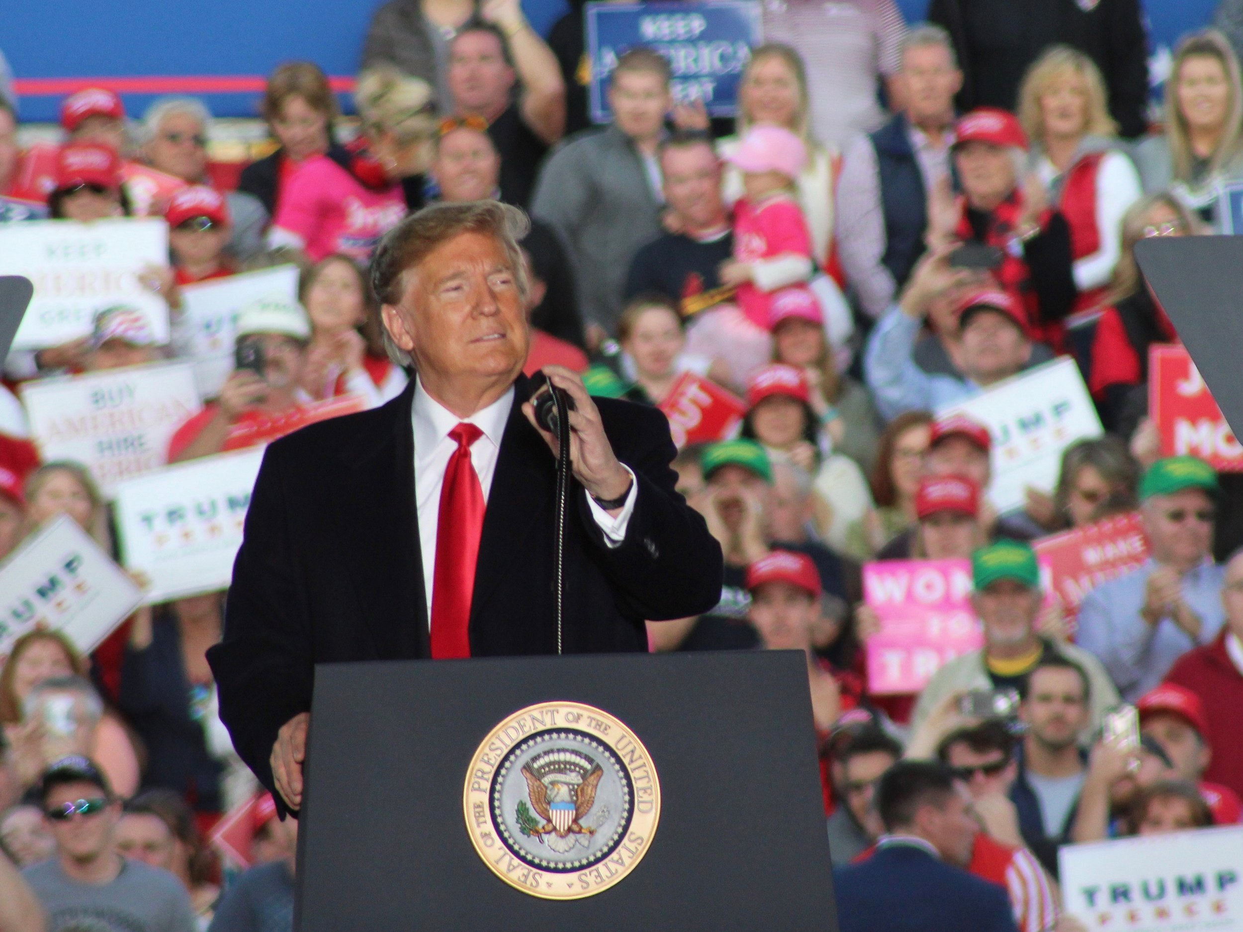 President Trump addresses backers last fall at a pre-election campaign rally in Murphysboro. (One Illinois/Ted Cox)