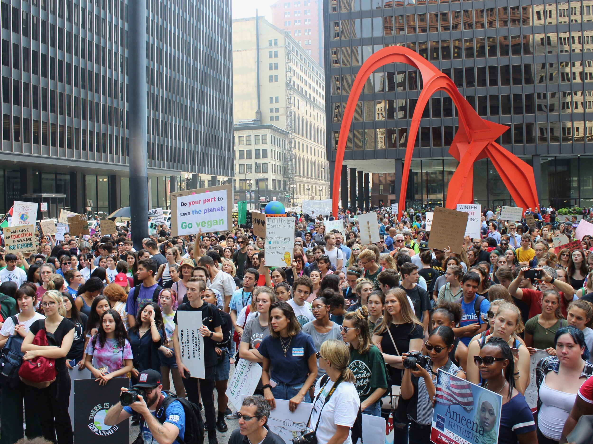 The assembled crowd at the end of the march packed Chicago's Federal Plaza. (One Illinois/Ted Cox)