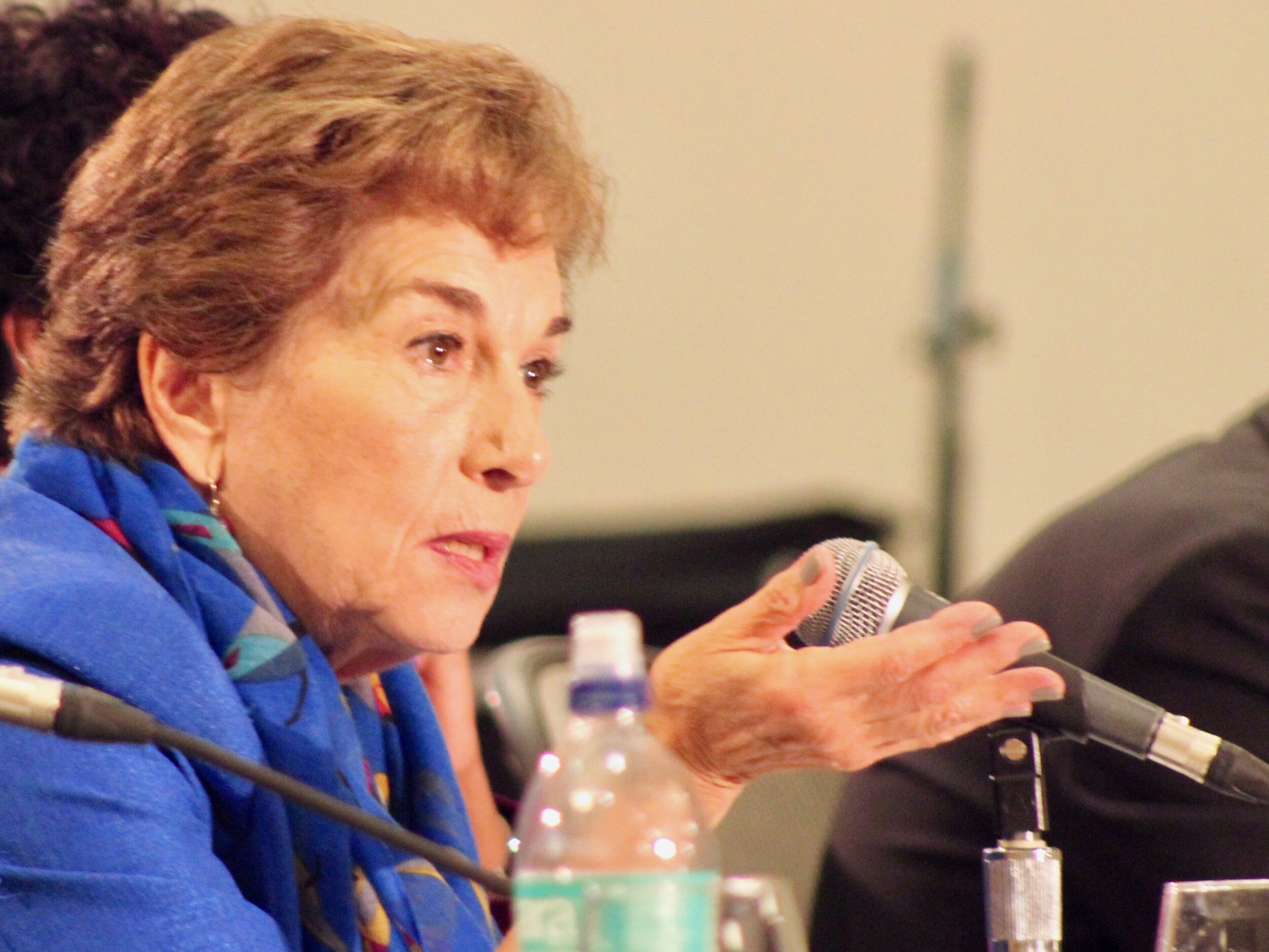 """""""Think about if it were a virus what we would be doing. What people want to see now is steps, concrete steps, that represent action."""" - U.S. Rep. Jan Schakowsky (One Illinois/Ted Cox)"""