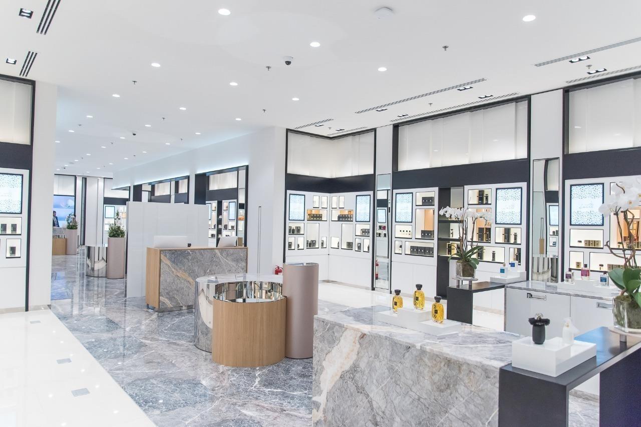 Saudi-Jawahir-Laure-Boutique-in-Panorama-Mall.jpg
