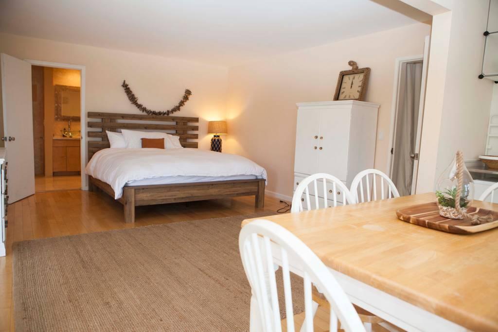 bedroom 1 retreat.jpg