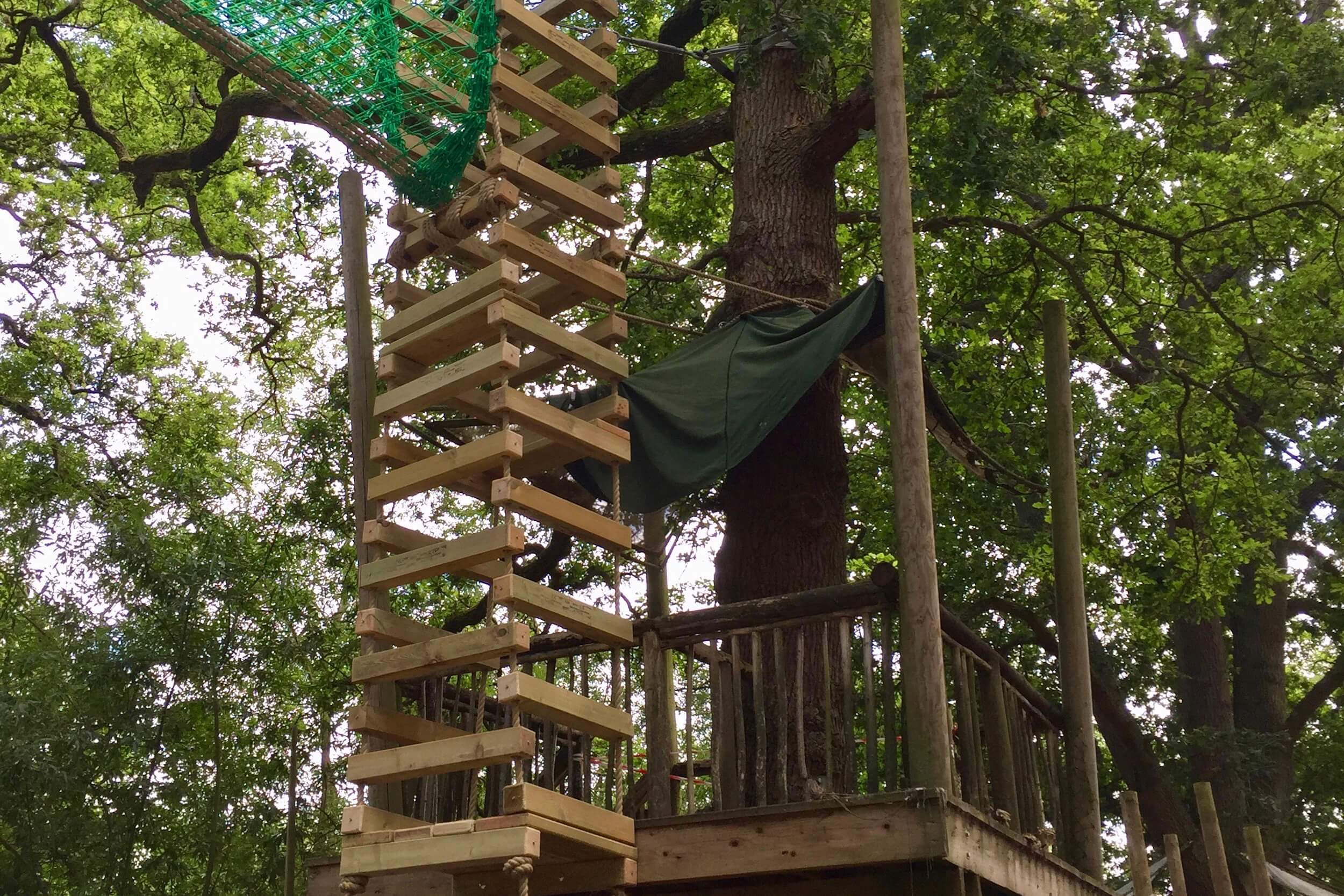 Suspended 4-sided Rope Ladder