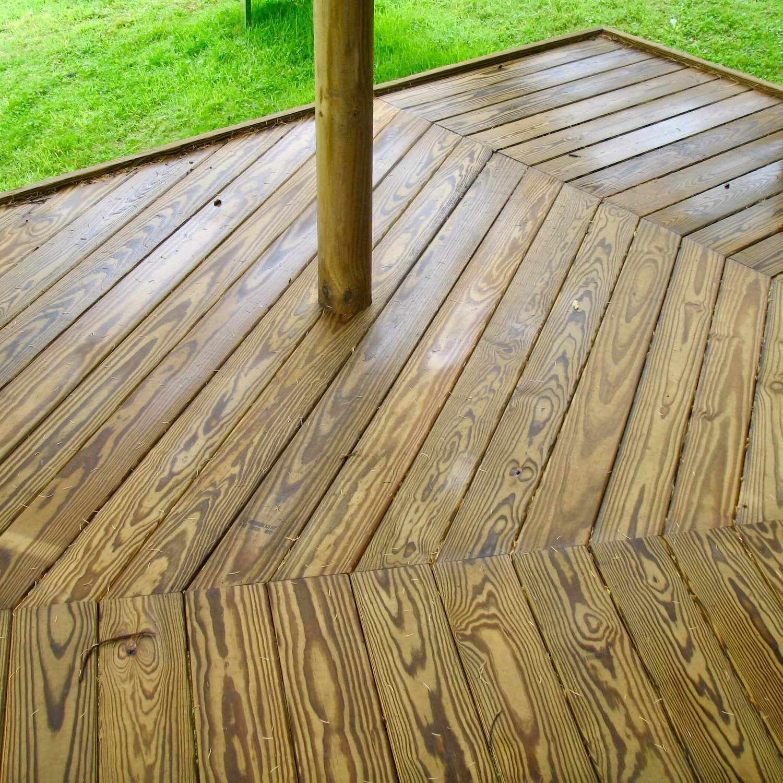 """...beautiful decking wraps treehouse"""