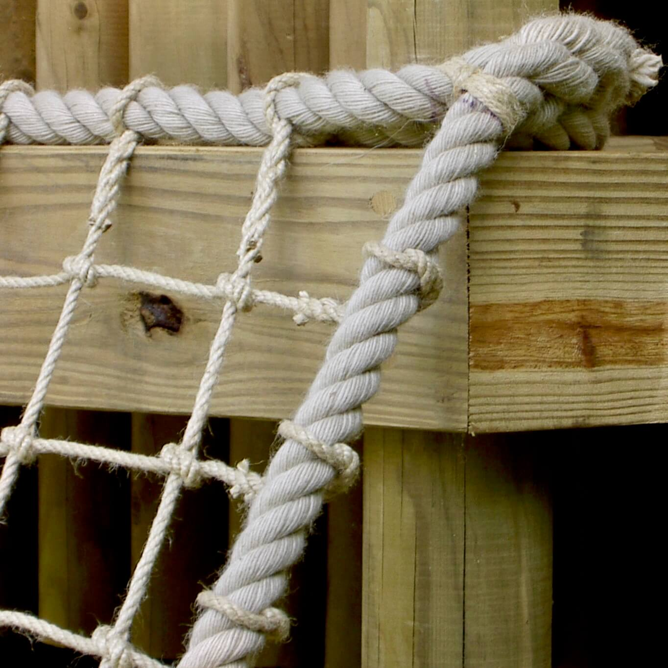 """...polyhemp kind to the hands scramble net rope"""