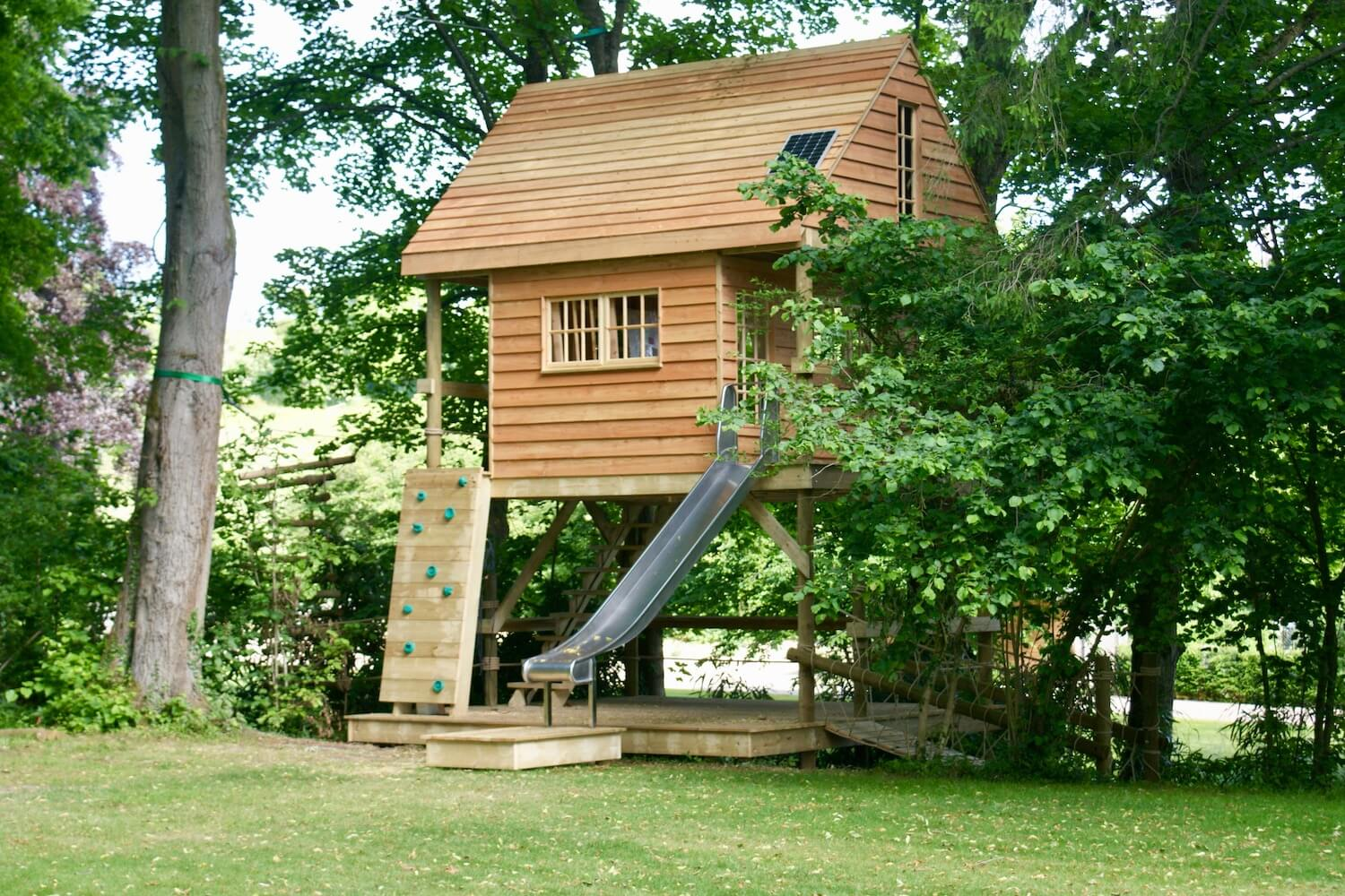 'Living' treehouse