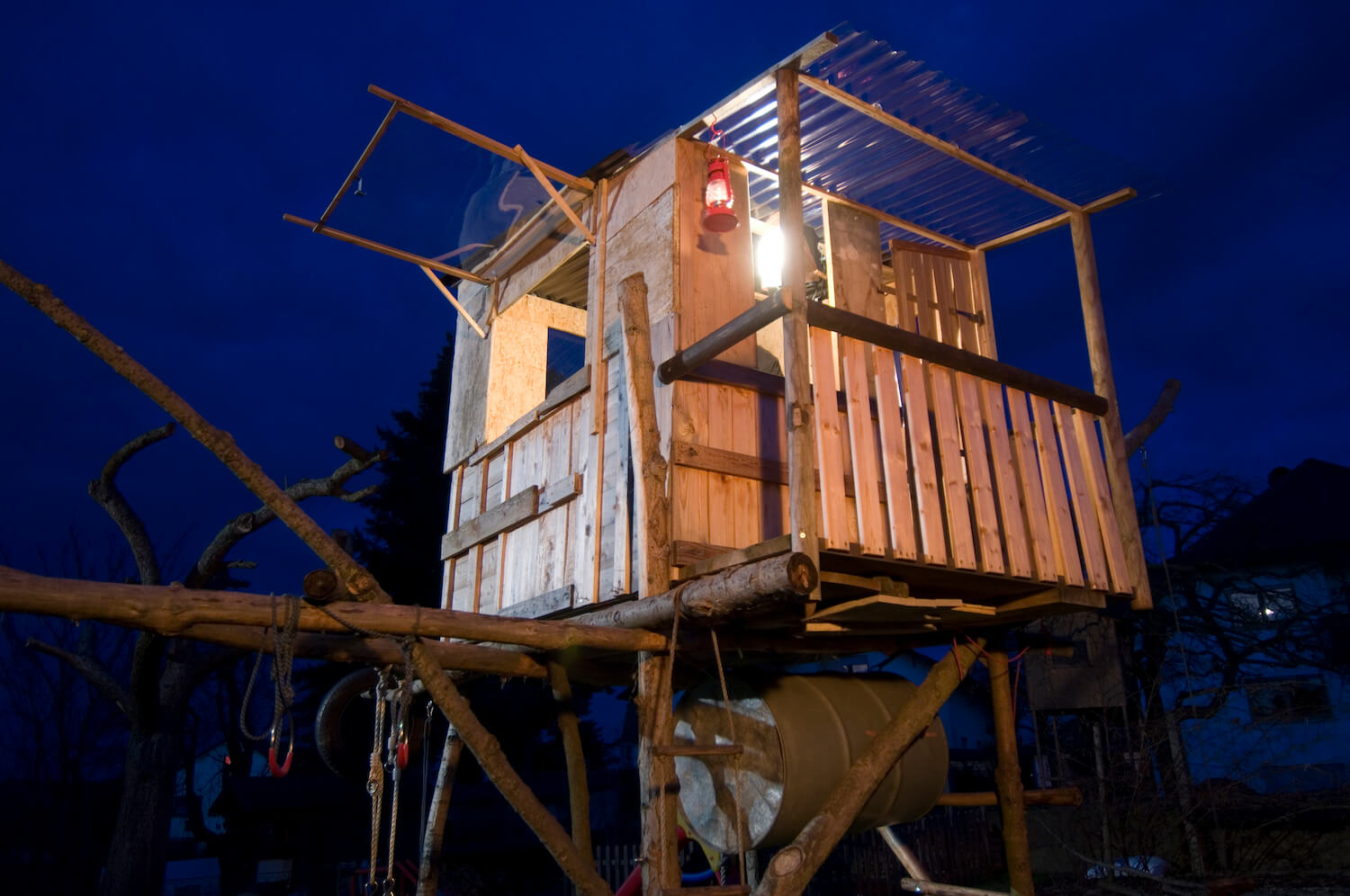 'Solar-powered' tree houses