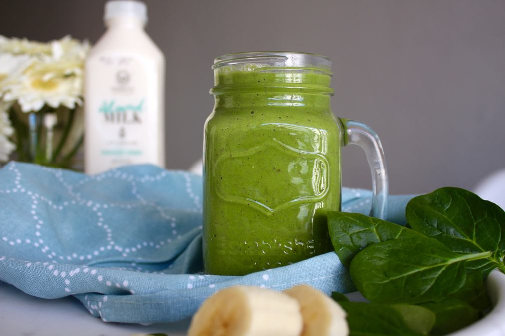 green-smoothie-in-mason-jar2.jpg