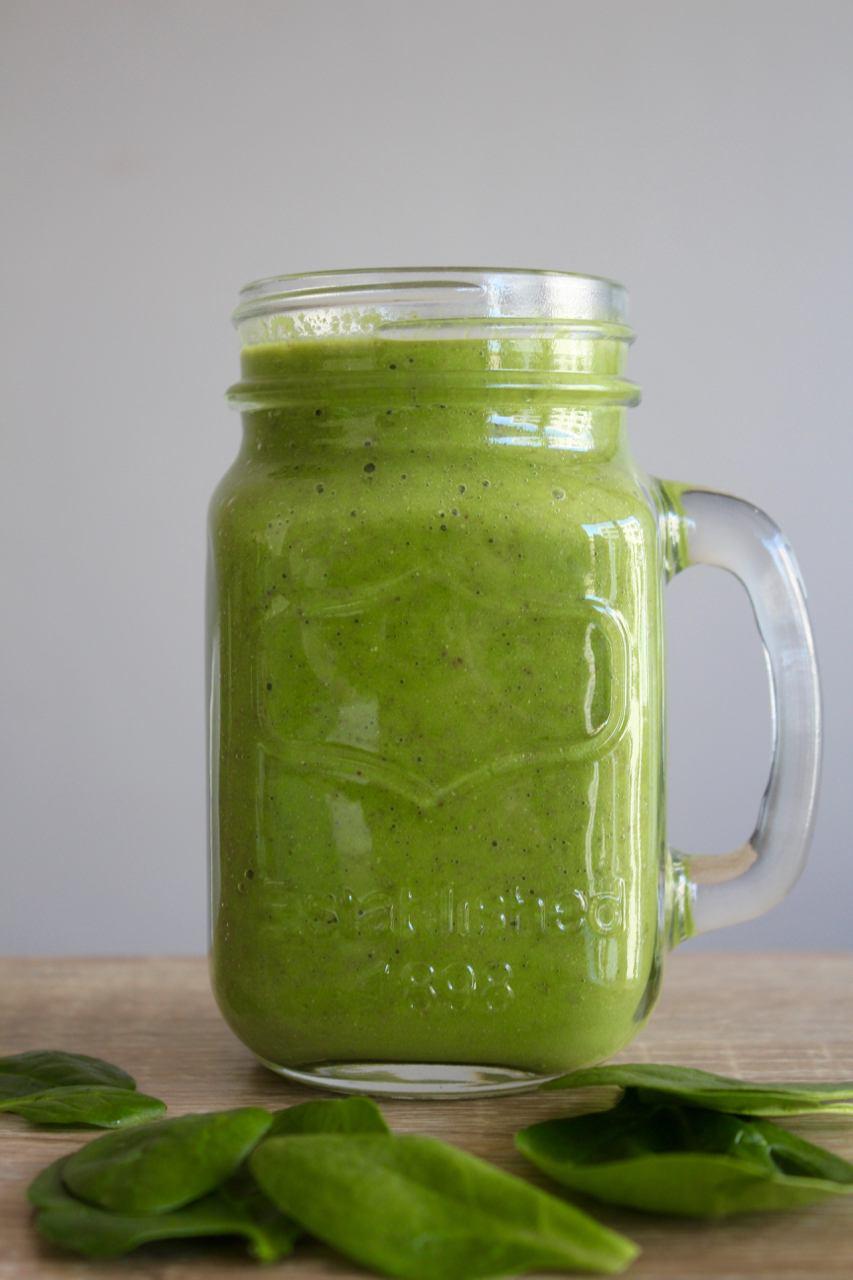 green-smoothie-in-mason-jar.jpg