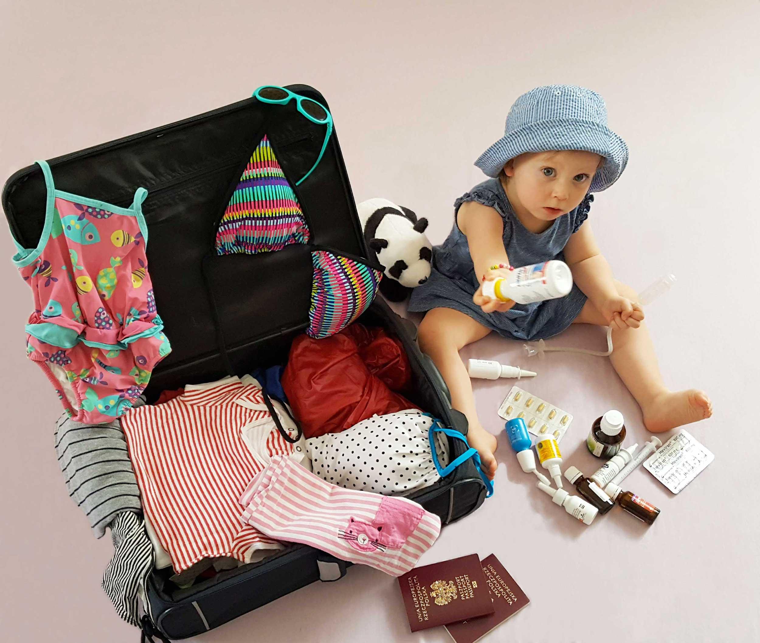 Apteczka-na-wakacje-blog.jpg