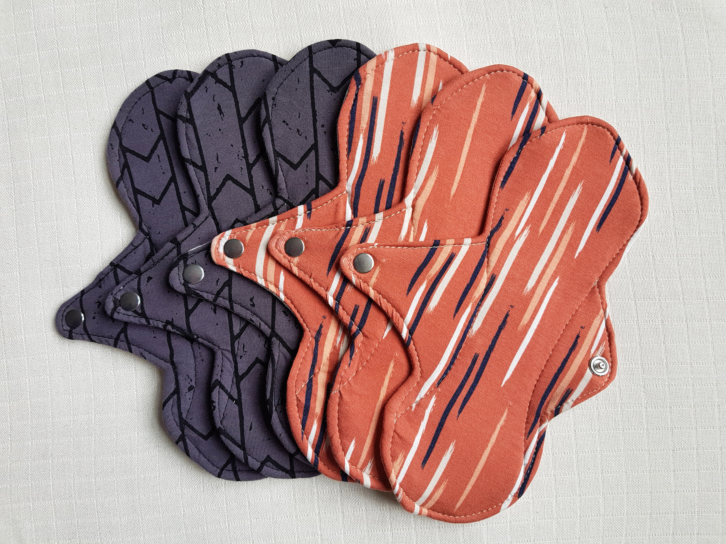 Sustainable, reusable cloth pads.Healthy for you and the earth. - We only use the highest quality fabrics, produced using no chemicals and pesticides, and low impact with water usage and energy. Click here to find out more about why we do things right.