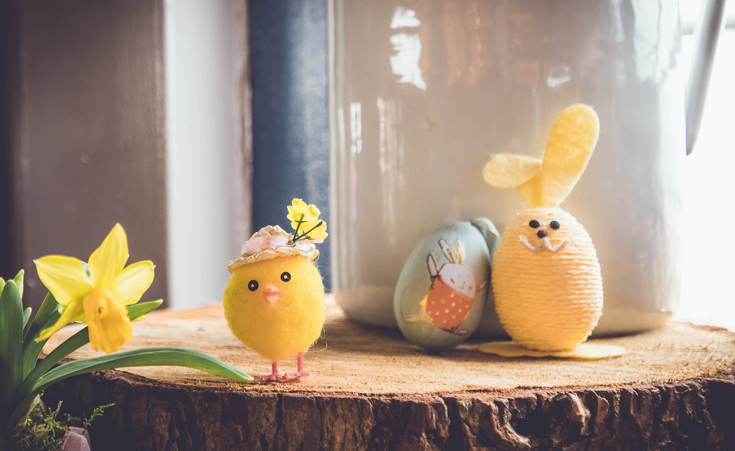 Easter is one of those times of year which can really ramp up midlife stress. Learn about how to naturally lower cortisol - your stress hormone - with my easy guide. www.midlifemenu.com/blog/reduce-midlifestress