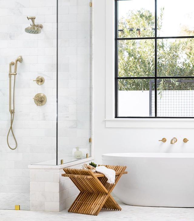 How is it Thursday already!? And almost May!? This is always such a crazy busy time of the year... but how could you feel crazy in this serene space!? 😊  Design/Build: Us Staging: @lexigracedesign 📷 @ericolsendesign  #dreambuuldgather #bathroomdesign  #bathroomsofinstagram  #masterbathroom  #housetour #finditstyleit #homerenovation #modernhome #interior123 #whitedecor #Homedesign #Homedecor  #interiorlovers #topstylefiles #sodomino  #housebeautiful