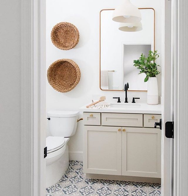 Loving this view from this pretty bathroom we recently completed with the incredible team at Lexi Grace Design! 💕  Build: @gatherprojects  Design: @lexigracedesign  PC @rennaihoefer  #housetour #finditstyleit #homerenovation #modernhome #interior123 #Homedesign #Homedecor  #interiorlovers #howihaven #sodomino #dreambuildgather  #bathroomsofinstagram