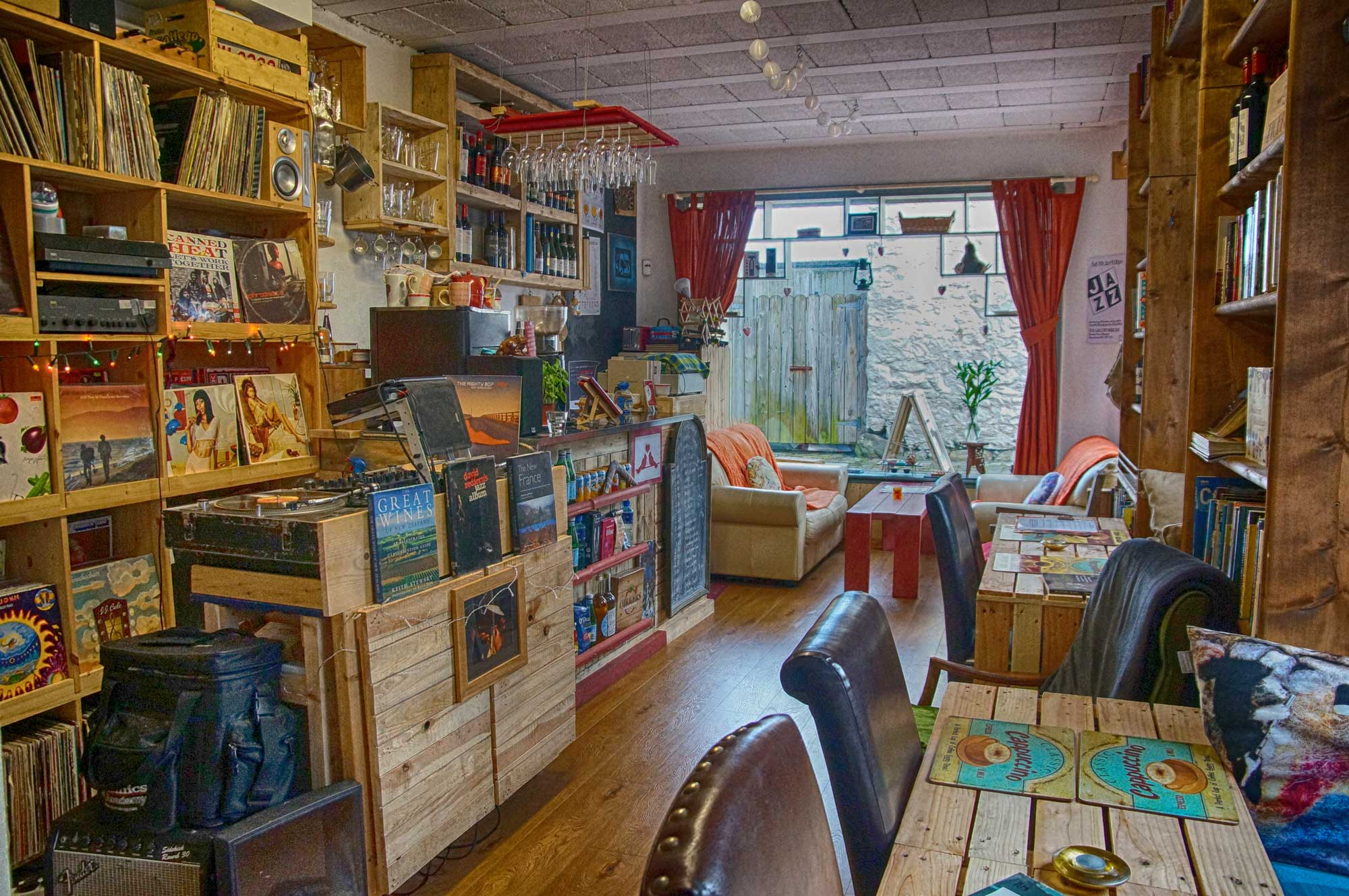 Gallery-Interior-Vinyl.jpg