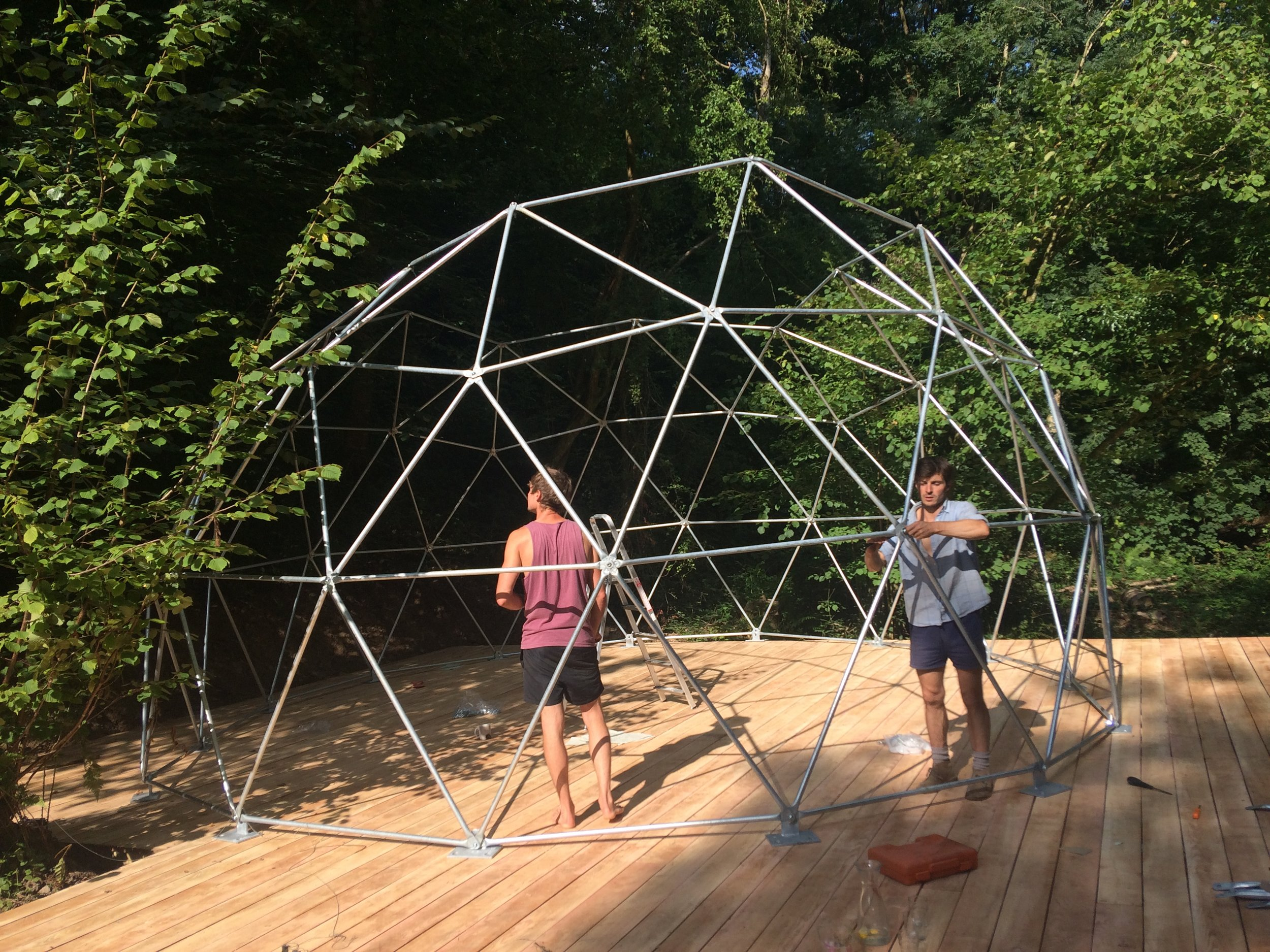 05.08.18 - Structure almost done! (Cheers Rob- you're a super star!)